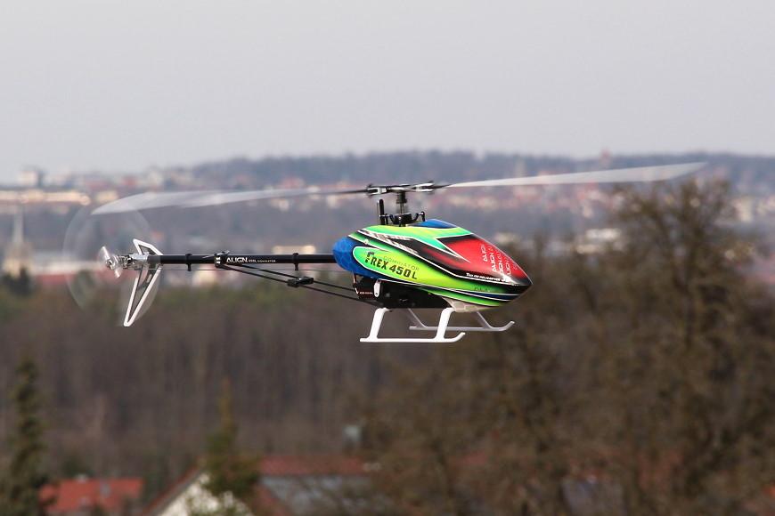 0A2-Align-T-Rex-450L-Dominator-Flug.jpg