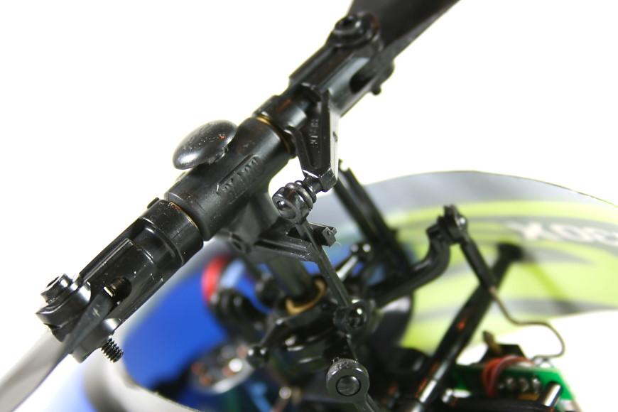 005-Blade-130X-Hauptrotorkopf.jpg